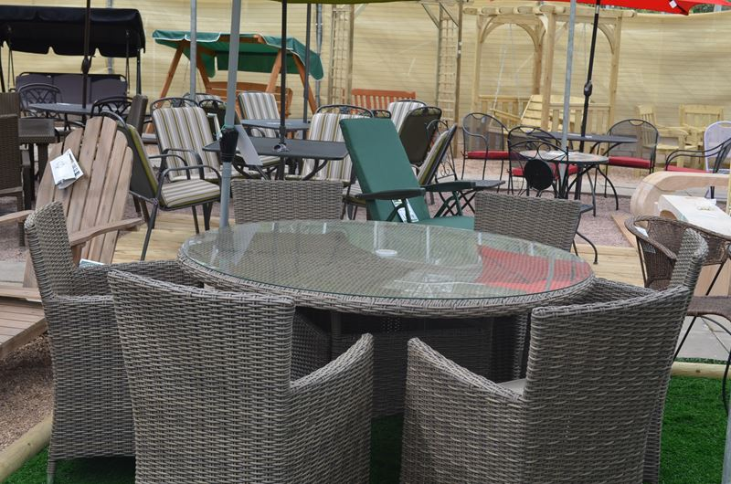 picture of leisure grow 6 seater low back rattan garden set